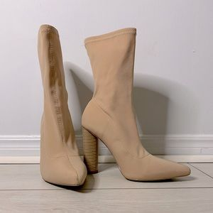 Fashion Nova Slim Fit Heeled Boots / Nude size 6.5